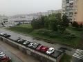 Búrka zasiahla aj metropolu východu