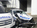 Toto austrálski díleri nečakali: Dodávka plná metamfetamínu vrazila do policajného auta