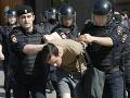 Obrovské protesty proti opozícii v Rusku: V rukách polície skončili stovky ľudí