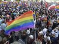 Varšava proti násiliu: FOTO Tisícky ľudí v Poľsku podporili práva LGBT komunity