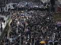 Protesty v Hongkongu pokračujú: Polícia proti demonštrantom zasiahla gumovými projektilmi