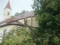 Hasiči zasahujú v súvislosti s lokálnymi búrkami.