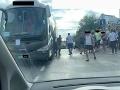 Ignoranti v českom autobuse v Chorvátsku: Makarská sa mení na veľké parkovisko, dôkaz na FOTO