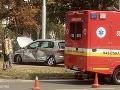 PRÁVE TERAZ Vážna nehoda električky a auta: FOTO Nepremávali električky, doprava sa obnovuje