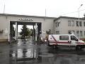 Prievidžan pred nemocnicou napadol záchranára: Teraz mu hrozí až trojročné väzenie