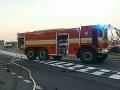 Nehoda na rýchlostnej ceste R1: Zrážka pri Lehôtke pod Brehmi, zranili sa traja ľudia