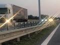 Kuriozita na diaľnici pri Ilave: FOTO Toto sa často nevidí, prekvapenie v rýchlom pruhu