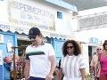 Bradley Cooper na prechádzke s Oprah Winfrey.