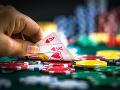 Gambler dal do stávky vlastnú manželku: Horší ako zviera! Po prehre ju znásilnili jeho kamaráti