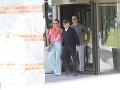 Michael a Catherine napokon vyšli z hotela spolu.