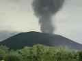 Sopka neďaleko Tokia ožíva: V noci sa prebrala, chrlí popol a dym
