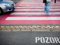 Desivá nehoda v Trnave: Osobné auto zrazilo tri ženy, stav dvoch je vážny