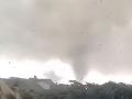 Luxembursko zasiahlo tornádo, zanechalo skazu: VIDEO Obrovské škody a niekoľko zranených