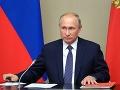 Putin sa stretol s vdovami obetí výbuchu v stredisku Ňonoksa: Odovzdal im vyznamenania