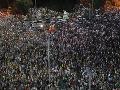 Ulice Rumunska sa zaplnili demonštrantmi: Tisíce ľudí protestovali proti vláde