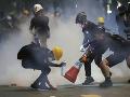 V Hongkongu sa už 10 týždňov konajú protivládne demonštrácie