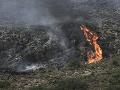 VIDEO Na ostrove vyčíňal rozsiahly požiar: Tisíce turistov ho opustili