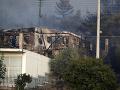 FOTO Na predmestí Atén evakuujú domy pre veľký požiar: Oheň sa šíri rýchlo