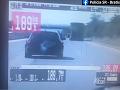 Šialené VIDEO z diaľnice D1: Mladík (21) sa rútil na audi obrovskou rýchlosťou
