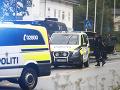 Nór, ktorý spustil streľbu v mešite a zabil svoju nevlastnú sestru, odmietol obvinenie z vraždy