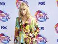 Taylor Swift ukázala nohy.