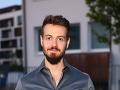 Adam Jančina sa už čoskoro objaví opäť na obrazovkách v tretej sérii seriálu Za sklom.