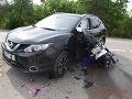 FOTO Mladý motocyklista sa zrazil s autom: Chcel ho predbehnúť, keď začalo odbočovať