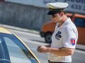Vodiči piatich áut parkovali v treťom stupni ochrany prírody, polícia vyzýva šoférov
