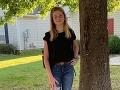 Školáčka chcela peknú FOTO na konci prázdnin: Keď jej mama zbadala tú hrôzu na strome, zdesila sa