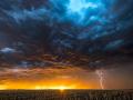 Počasie nás neprekvapí ani túto stredu: Varovanie pred búrkami, na východe hrozia aj horúčavy