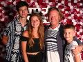 Maroš Kramár s deťmi. Zľava: Timur, Tamara a Marko.