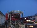 Hasiči v akcii: Zasahovali na družstve v Hubiciach, zhorel traktor