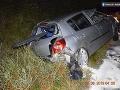 Vodička sa chcela vyhnúť zrážke s diviakom, auto skončilo na streche.