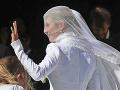Ako pravá princezná: Ellie Goulding si vzala Caspara Joplinga vo viktoriánskych šatách na FOTO