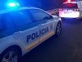 Nebezpečné vyčíňanie muža na diaľnici D1: Kovovou tyčou rozbíjal sklá na autách