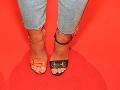 Pohľady mnohých pútali aj nohy Veroniky Nízlovej. Obula si totiž topánky rôznych farieb.