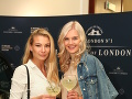 Moderátorka Fashion Tv Erika Bugárová a Miss Slovensko 2018 Dominika Grecová dorazili spolu a vychutnali si miešaný drink.