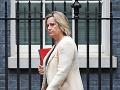 Britská ministerka práce odchádza z kabinetu Borisa Johnsona: Bolo to ťažké rozhodnutie, tvrdí
