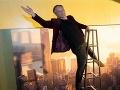 Americký herec žijúci v Prahe otvorene: Na TOMTO je úplne závislý