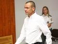 Peter Tóth prišiel na hlavné pojednávanie v kauze falšovanie zmeniek.