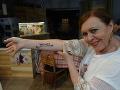 Tetovania vznikli len dočasne pre natáčanie.