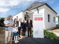 Ukončenie stavebných prác na projekte Renovactive prebehlo za účasti Petra Banga, výkonného riaditeľa skupiny VELUX, Dagmar Plevačovej, generálnej riaditeľky VELUX Slovensko a Česká republika a Norberta Kurillu, štátneho tajomníka Ministerstva životného p