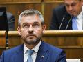 Ústavnoprávny výbor odporúča opozícii, aby stiahla jeden z návrhov na odvolanie Pellegriniho