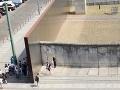 Pamätník Berlínskeho múru na ulici Bernauer Strasse