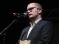 Kontrolný výbor aj SIS sa zhodli: Lustrácie novinára Adama Valčeka boli legálne