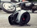 Kuriózna nehoda v Grécku: Na motorkára spadol muž z nadjazdu, nevedno, čo tam robil