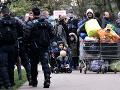 Polícia vypratáva tábor s