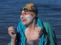Onkologická pacientka: Ako prvá na svete štyrikrát bez zastávky preplávala kanál La Manche