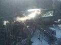 FOTO Hrozivá dopravná nehoda, auto začalo horieť, jeden mŕtvy: Diaľnica je uzavretá