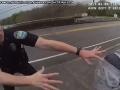 VIDEO Bežná policajná kontrola sa brutálne zvrtla: Za toto si policajt zaslúži super potlesk!
